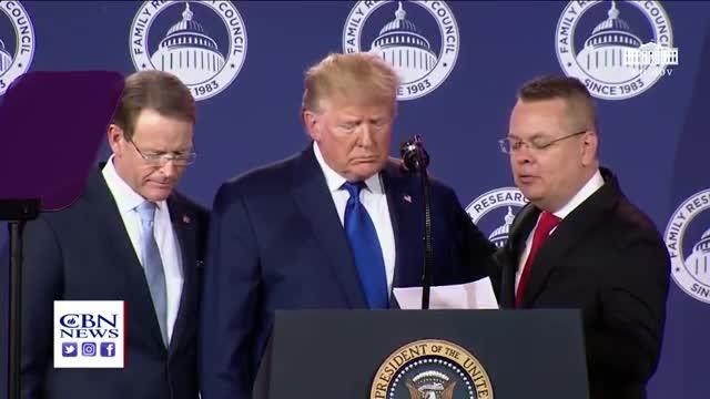 Pastor Brunson's Powerful Prayer with Trump ?